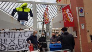 Da oltre una settimana sono chiusi in assemblea sindacale presso lo spazio rimozione in viale Monastir a Cagliari.