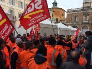 Read more about the article Stesse pessime Condizioni di Lavoro, Stesso Salario da  Fame, Firmato il NON contratto della Logistica